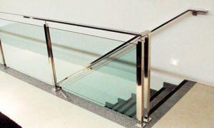 Corrimão com vidro